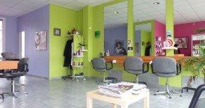 RENNES (35.000) Salon de coiffure en parfait état